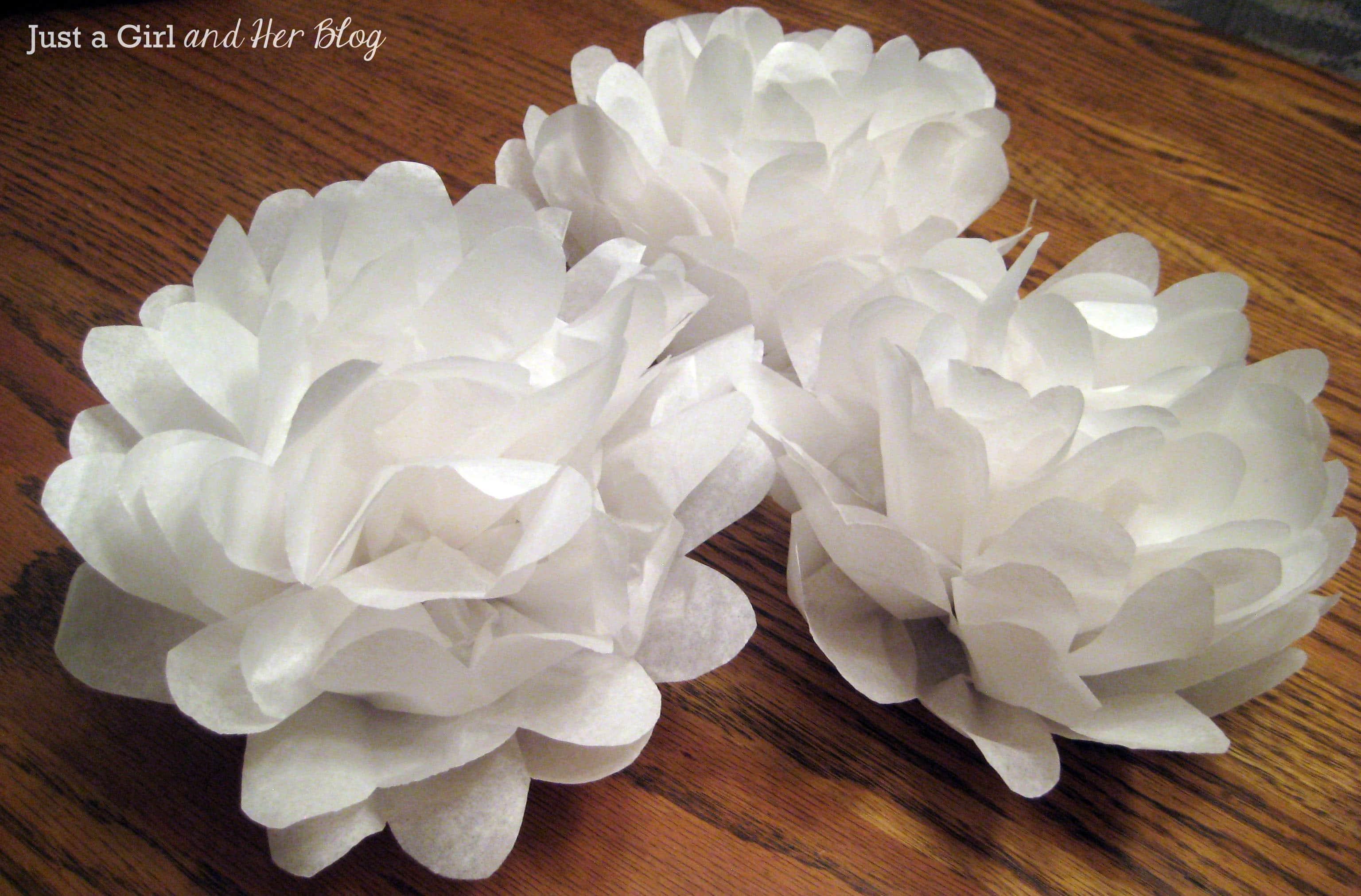 Цветы из белых салфеток фото