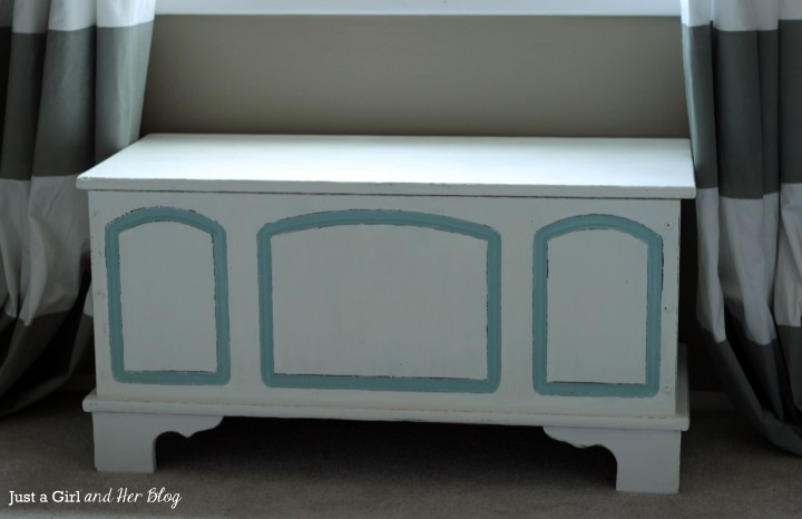 Trunk Makeover with Annie Sloan Chalk Paint by Just a Girl and Her Blog
