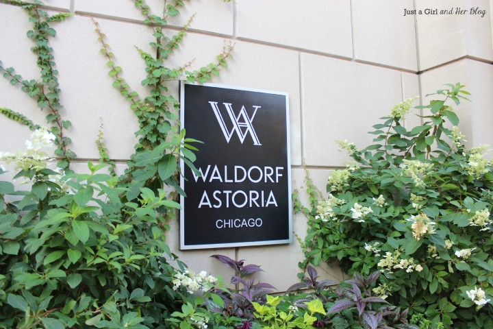 Waldorf Astoria Sign