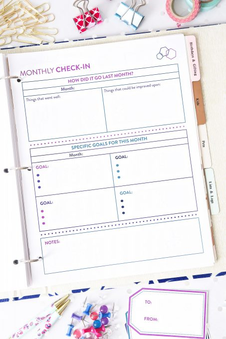 This beautiful budget binder is the perfect tool to help us save more money and spend less this year! Click over to the post to snag these helpful free printables!