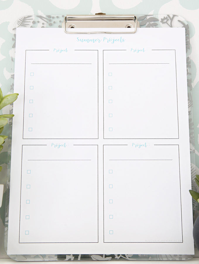 These simple planning printables are perfect for organizing summer projects! Whether you're looking to make some updates around the house or have some projects planned with the kids, these printables can help you make sure you check off all the items on your to-do list! | #planning #summer #houseprojects #summerprojects #freeprintables #freeprintable #prettyprintables #planningprintables #organized #getorganized #todolist #organizing #organize #summerprojectsprintable #thingstodo #calendar #calendarprintables #productivity #summerplanning
