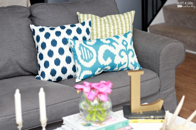How to Mix and Match Throw Pillows | JustAGirlAndHerBlog.com