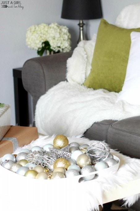 2014 Christmas Home Tour | JustAGirlAndHerBlog.com