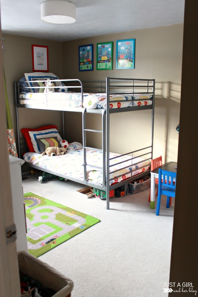 Wonderful Decluttering The Kidsu0027 Room | JustAGirlAndHerBlog.com