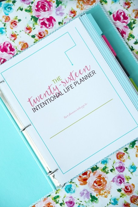 The 2016 Intentional Life Planner is a gorgeous printable planner that will help you set (and achieve!) your goals for the year! Click through to the post and get ready for your most productive year yet!