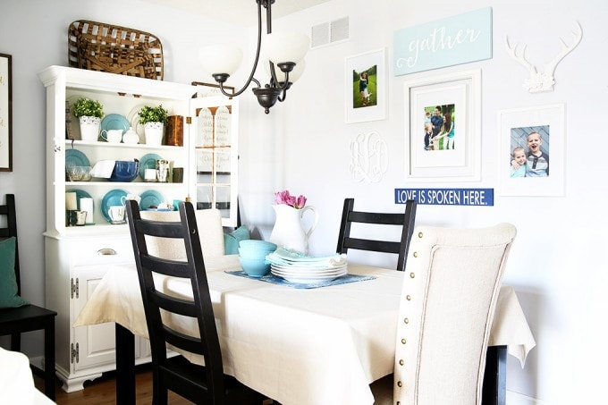 Love this beautiful small house tour! So many creative ideas for small spaces! Click over to the post to take the full tour!