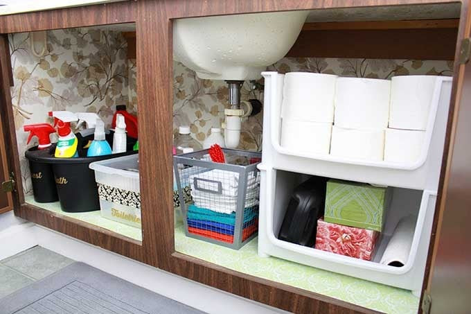 Love this list of ideas for different types of containers to use to organize each space! Click through to the post to see them all!