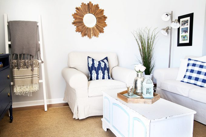 Love this beautiful living room refresh-- especially the flexibility of the IKEA EKTORP sofa and chair with the interchangeable covers! I need these in our house! Click through to the post to see how she does it!