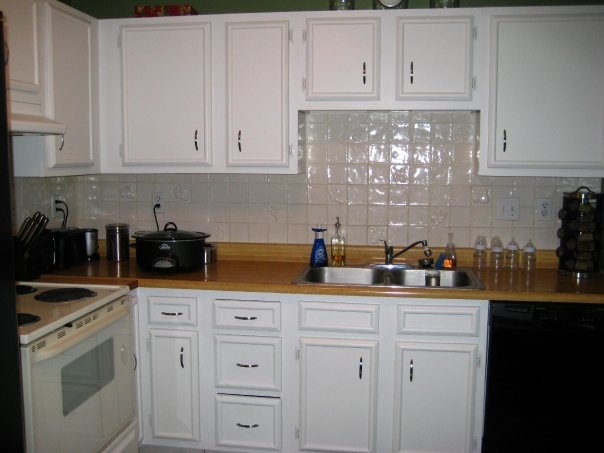 "Ugly kitchen ""before"" picture-- you won't believe the transformation!"