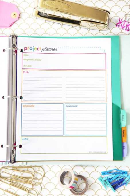 Project Planner Printable, Student Binder with Free Printables for Back-to-School, study aids, high school organization, college organization, middle school organization, pretty printables, printables for girls, printables for boys, resources for students, back to school, graduation gift, student organization, teacher printables