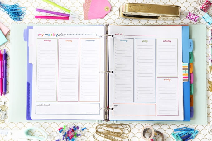 Weekly Calendar Printable, Student Binder with Free Printables for Back-to-School, study aids, high school organization, college organization, middle school organization, pretty printables, printables for girls, printables for boys, resources for students, back to school, graduation gift, student organization, teacher printables