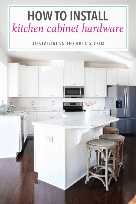 Love this beautiful kitchen, especially the pretty knobs and pulls. Click through to the post for sources!
