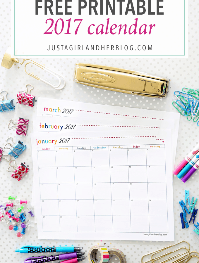 Such a cute free printable 2017 calendar! Click through to the post to snag it!