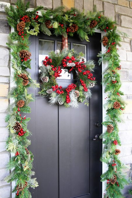 love these ideas for simple christmas porch decor click through to the post for sources - Christmas Porch Decor