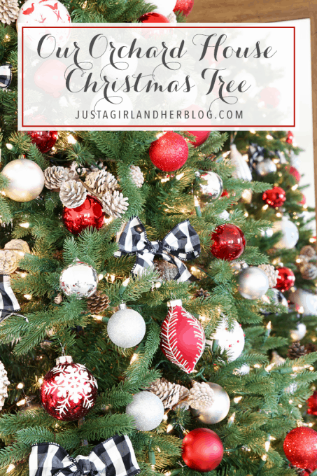 Holidays and Events: Popular Christmas Tree Decor. I love this beautiful, classic Christmas