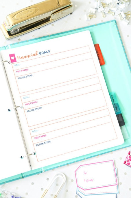 Finance- Free Printable Budget Binder, personal finance, save money, budgeting, saving money, spend less money and save more, financial goals