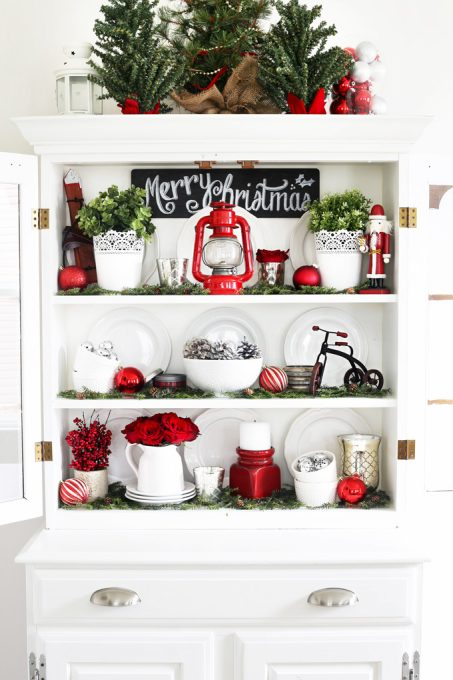 Home Decor- Christmas Hutch, hutch decor, holiday decor, Christmas decorating, holiday styling, dining room decor, how to style a hutch for Christmas