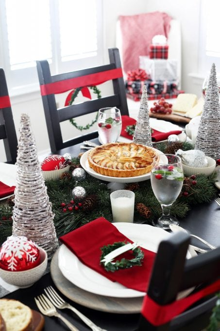 Home Decor- Christmas Dining Room, dining room decor, Christmas decor, holiday decor, Christmas tablescape, holiday tablescape, buffalo check, classic Christmas