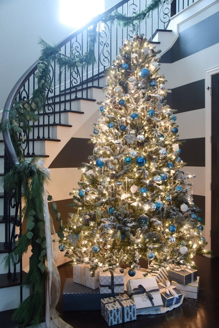 Christmas tree and staircase at Honey We're Home