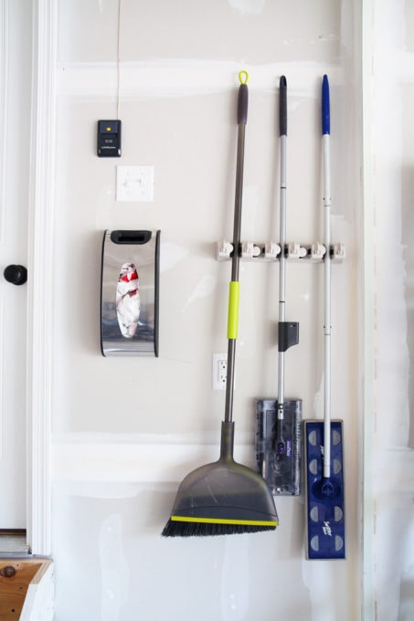 Home organization- Organize and declutter your home with these smart and simple storage solutions! organized, neat, tidy, straighten, clean up, stay organized
