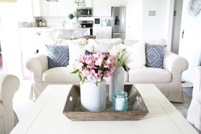 Home- Simply Summer living room home tour, coastal living room, family room, summer decor, shelf styling, navy blue and aqua living room decor, nautical decor ideas