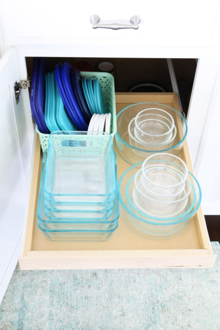 Home Organization- How to Organize Food Storage Containers, Tupperware, leftovers containers, kitchen organization, organized kitchen, lids, glass food containers, Pyrex