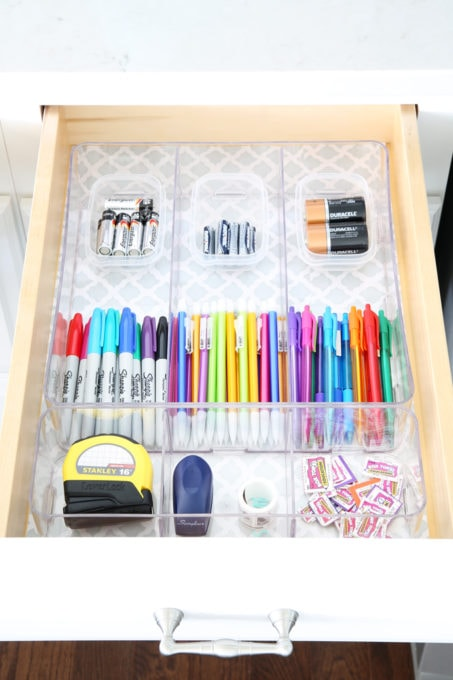 "Home Organization- Organized "" junk drawers "" hold everything you need to keep your home running smoothly on a day to day basis! Command center, back to school, organization, organized, declutter, decluttering, office supplies, school supplies, tools, necessities, storage, pretty storage, labeling, labels, drawer liner, contact paper, filled up organized junk drawers, storing batteries and school supplies"