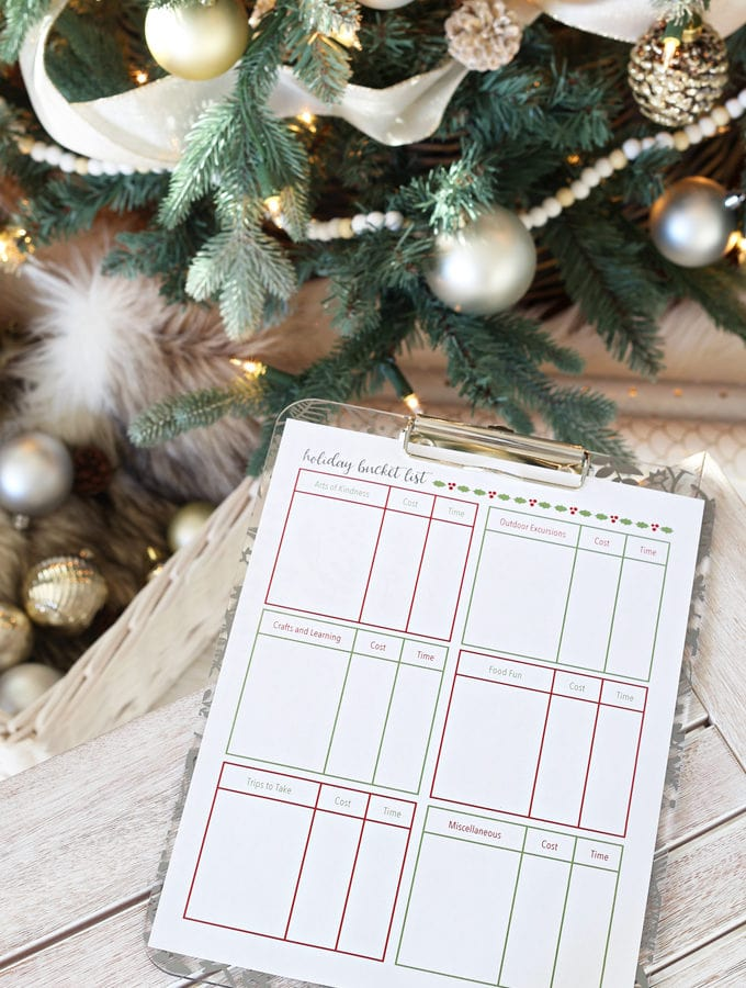 Holiday and Party- 5 Free Printables to Help You Get Organized This Holiday Season, Christmas Printables, organization, organize, holiday organization, organized christmas, gift guide printable, gift giving, meal planning printable, holiday meal plan, holiday prep list, organized lists, meal planning, planning for guests, holiday bucket list