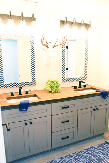 Home- Tour of the 2018 HGTV Dream Home in Gig Harbor, Washington near Seattle, Washington, Brian Patrick Flynn, Pacific North West, coastal style, pastel decor, gallery walls, home renovation, Delta faucet, first floor bathroom