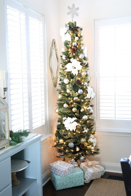 Home- Beautiful neutral Christmas home tour with silver, gold, gray, and white, Holiday Seasonal Simplicity Tour, neutral decor, farmhouse decor, cottage style, Christmas dining room decor, pencil tree with gifts