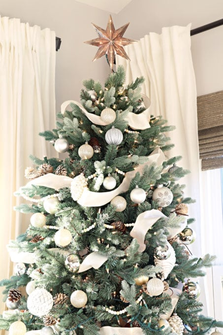 Home- Beautiful neutral Christmas home tour with silver, gold, gray, and white, Holiday Seasonal Simplicity Tour, neutral decor, farmhouse decor, cottage style, morning room, Christmas sunroom, Christmas tree