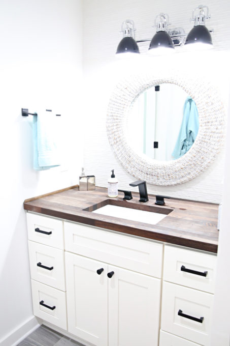 Home- Tour of the 2018 HGTV Dream Home in Gig Harbor, Washington near Seattle, Washington, Brian Patrick Flynn, Pacific North West, coastal style, pastel decor, gallery walls, home renovation, Delta faucet, second floor bathroom