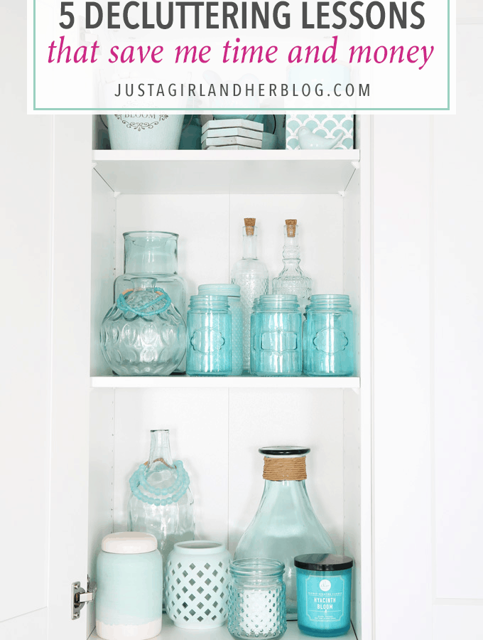 These 5 Decluttering Lessons That Save Time and Money are great reminders, whether you're going through your own house and decluttering or shopping for new items! | home organization, declutter, organize, get organized, office organization, decor organization, IKEA, IKEA PAX, aqua decor