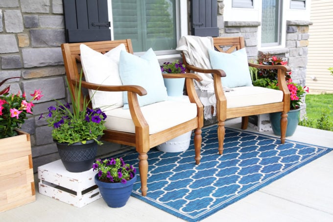 Summer Front Porch Decor and Florals
