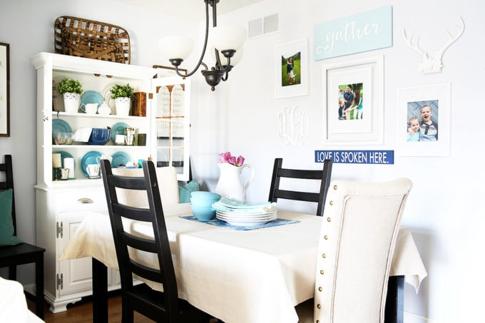 Small Dining Room Decor in a Townhouse