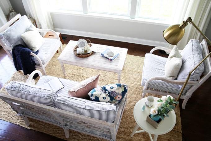 Sunroom Furniture and Decor