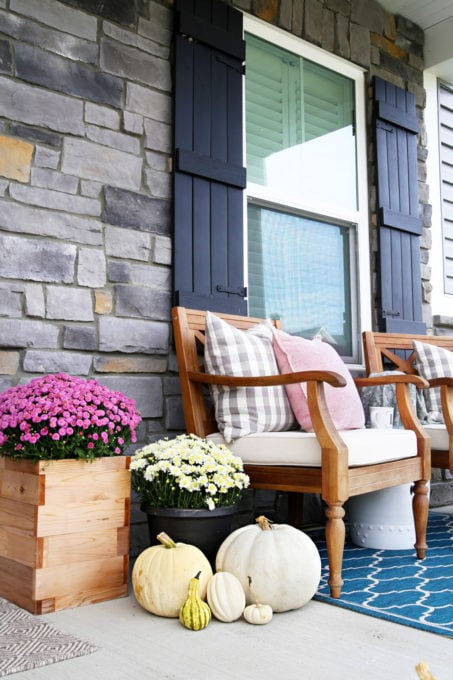 Pink and Neutral Fall Front Porch Decor Ideas