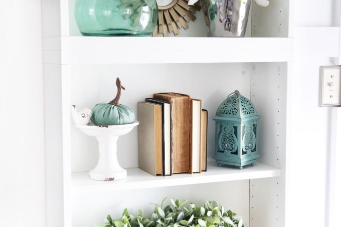 Simple Fall Details on a Styled Bookshelf