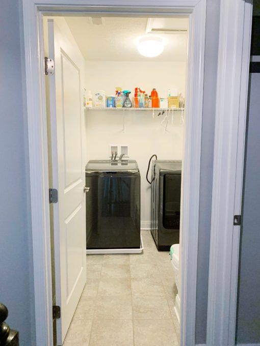 Kleine Waschküche vor dem Foto