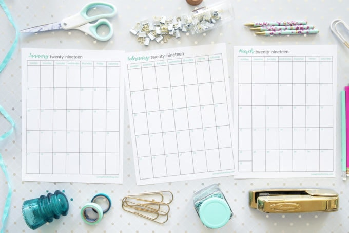 Free Printables- 2019 Monthly Calendar, Vertical, Sunday Start