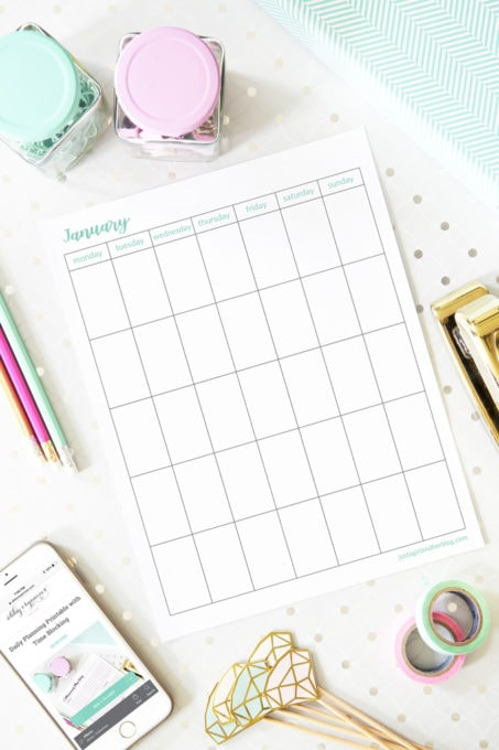 Free Printable Undated Calendar, Vertical Orientation, Monday Start