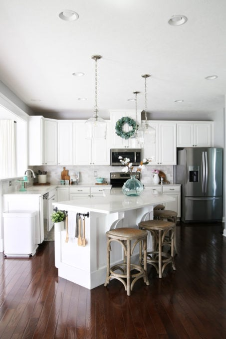 White Kitchen with Summer Decorating Ideas