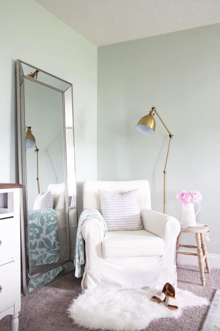 Reading Nook in Cozy Master Bedroom Design