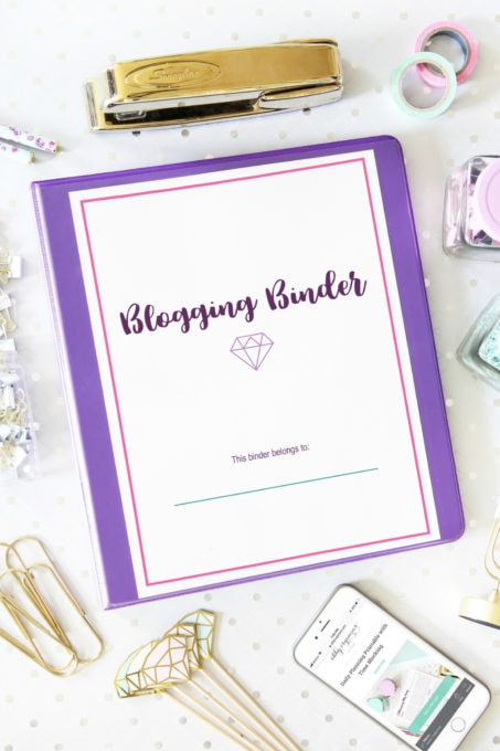 Deluxe Blogging Binder Printables | https://www.abbylawson.com/deluxe-blogging-binder-printables
