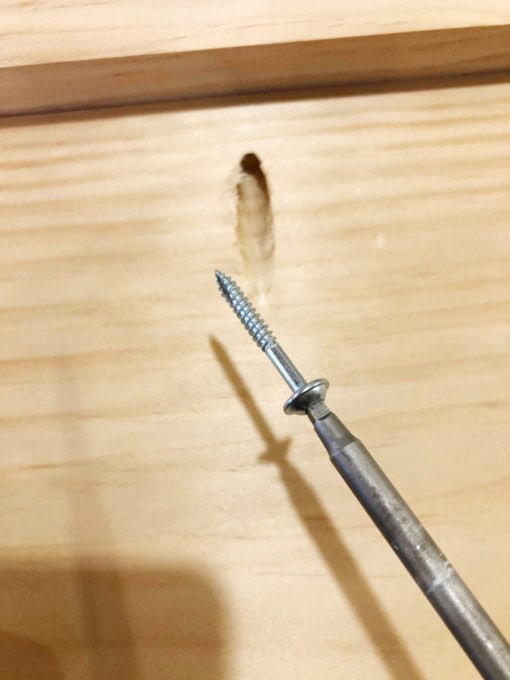 Inserting a Screw into a Pocket Hole